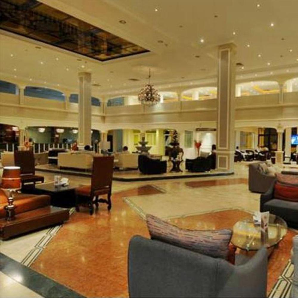 فندق السفير